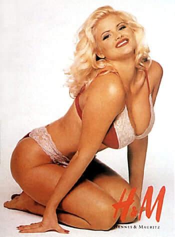 Anna Nicole Smith sexy boobs pics