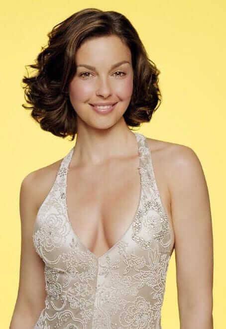 Ashley Judd sexy boobs pics