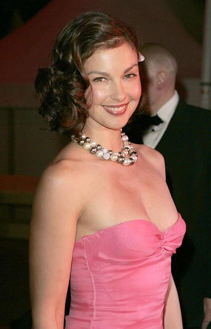 Ashley Judd sexy side pics