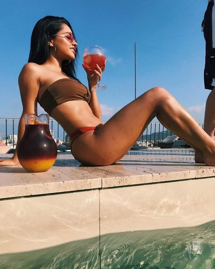 Becky G hot legs