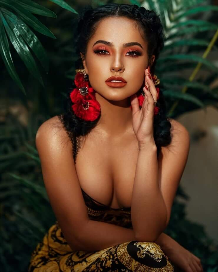 Becky G sexy cleavage pic