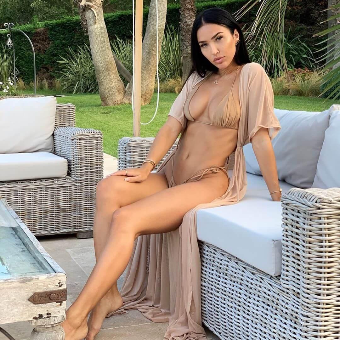 Breana Tiesi sexy lingerie pics