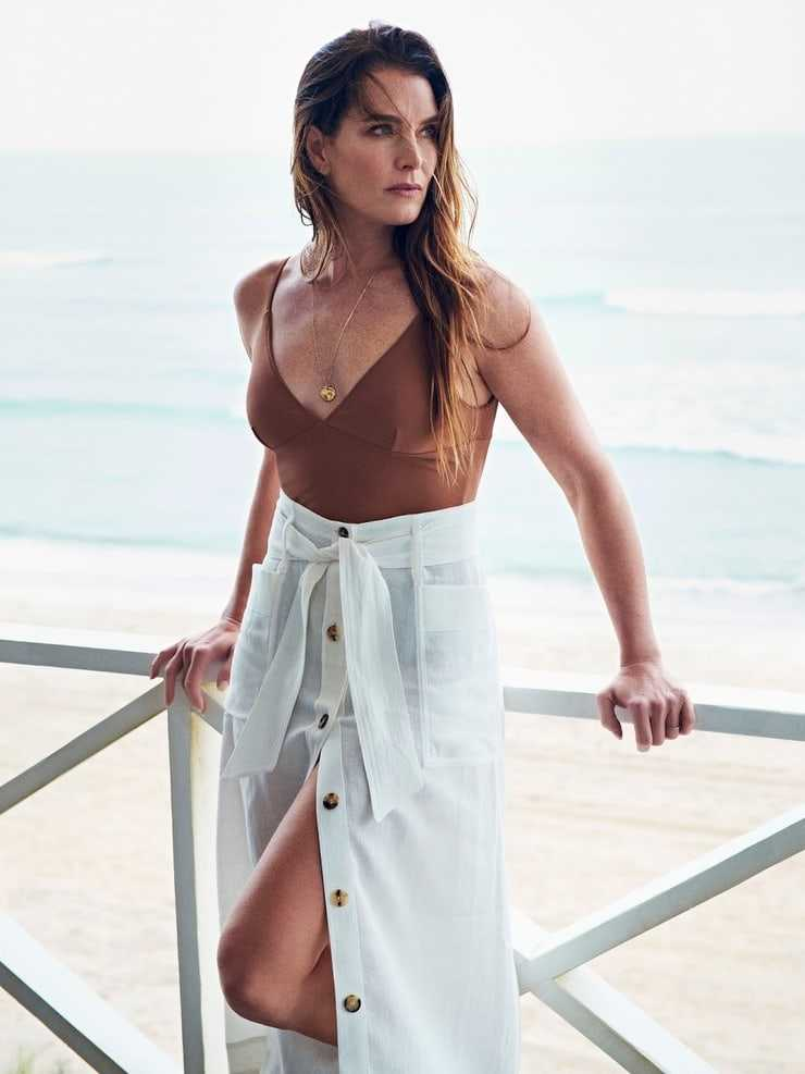 Brooke Shields sexy photo