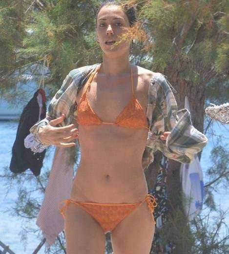 Cansu Dere hot bikini pics