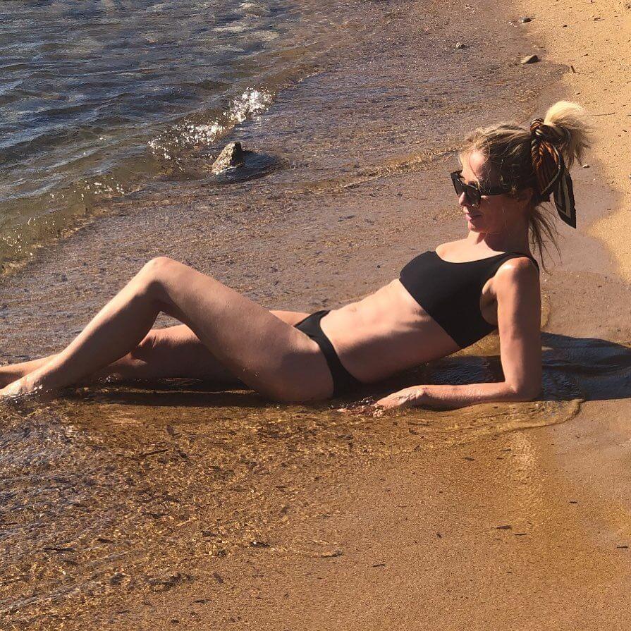 Carole Radziwill sexy bikini pictue