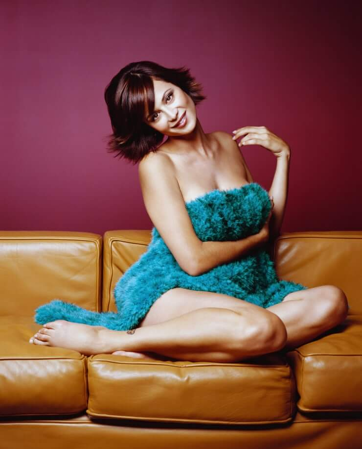 Catherine Bell hot busty pics