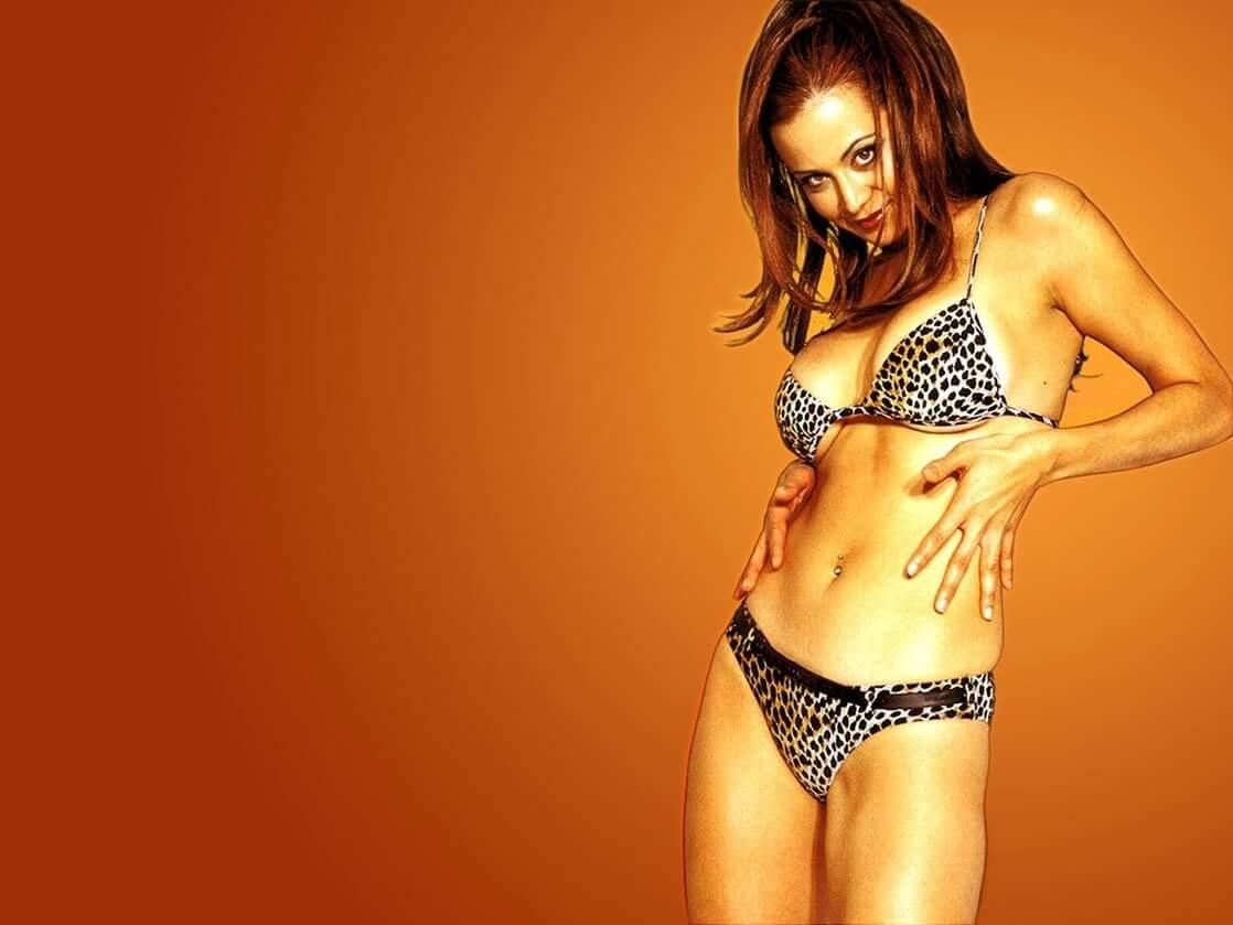 Catherine Bell sexy bikini phot