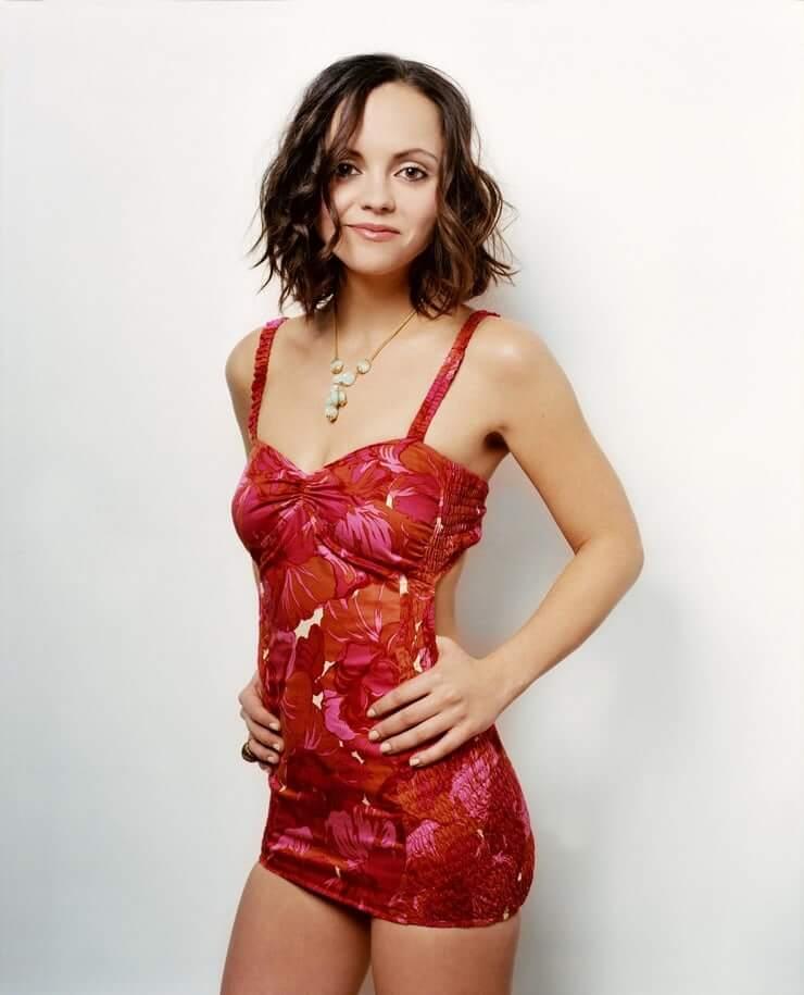 Christina Ricci hot side pics