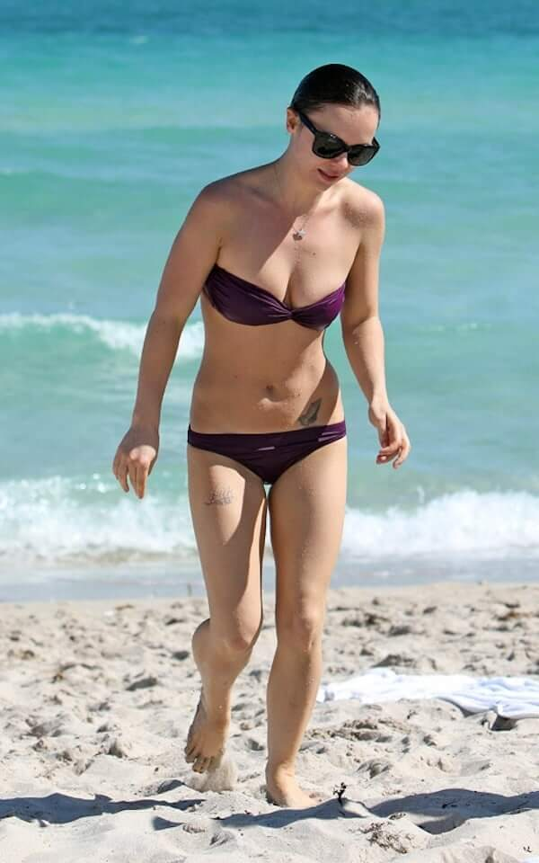 Christina Ricci sexy bikini photo