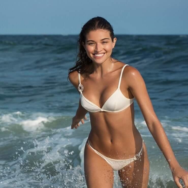 Daniela López Osorio sexy bikini pic