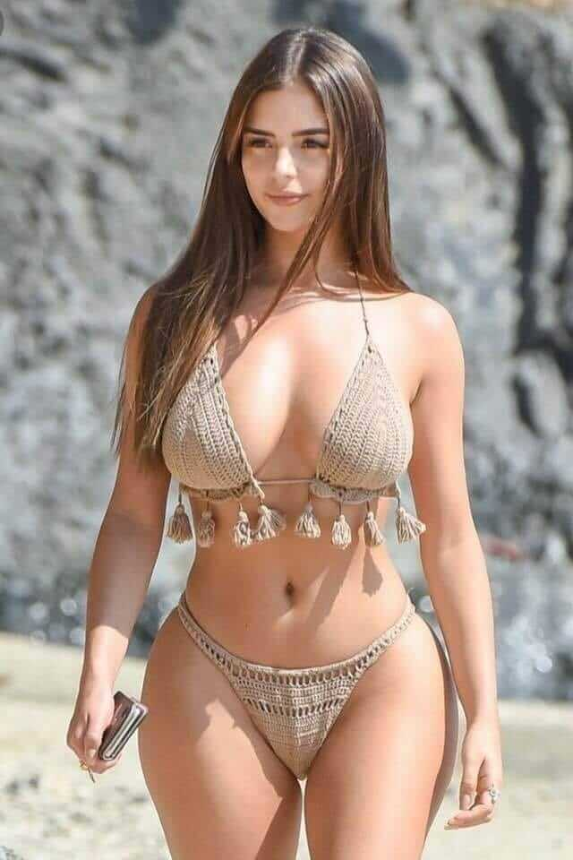 Demi Rose sexy boobs pic