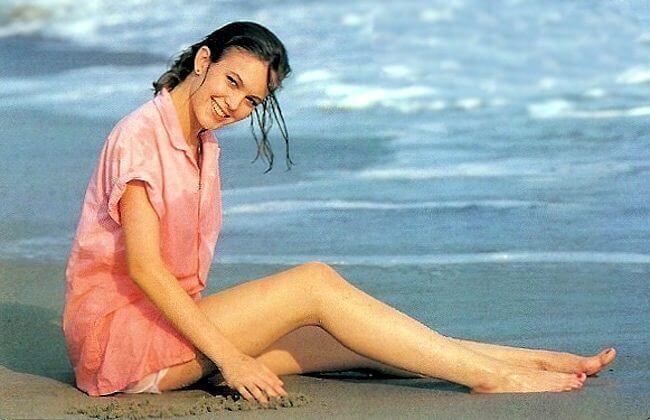 Diane Lane sexy legs