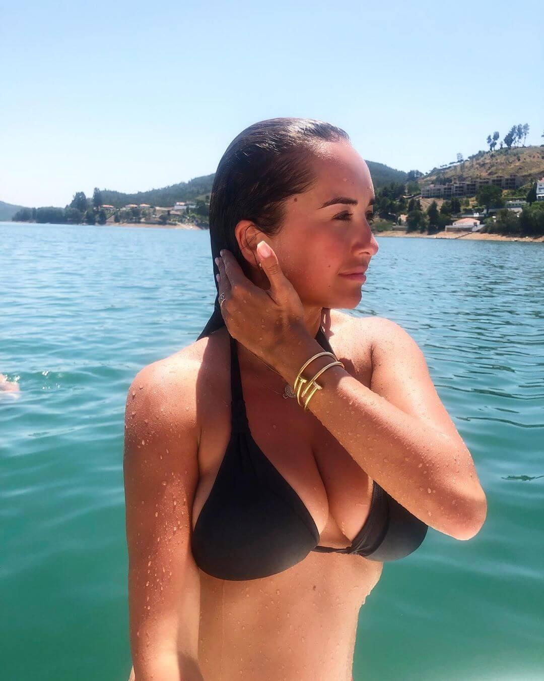 Elena Ora sexy bikini pics