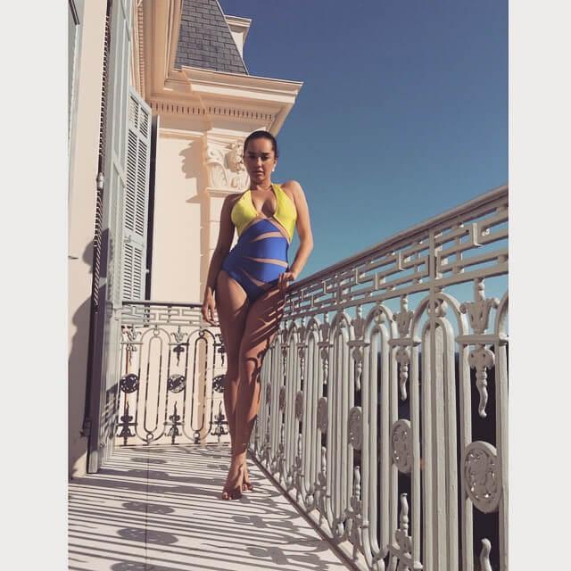 Elena Ora sxy thigh