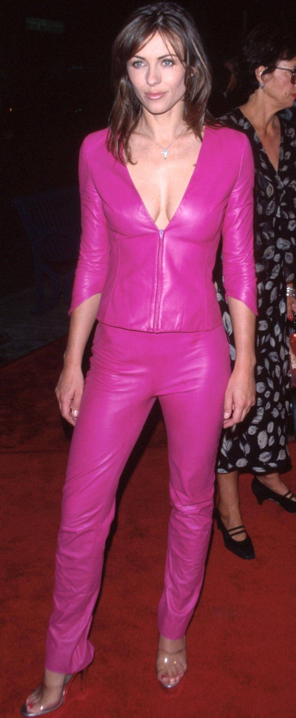 61 Sexy Elizabeth Hurley Pictures Captured Over The Years - Geeks On Coffee-5033