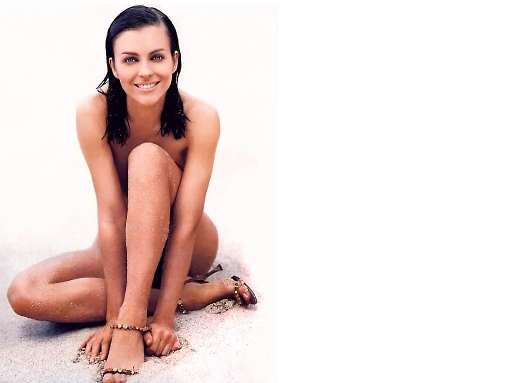 Elizabeth Hurley smile