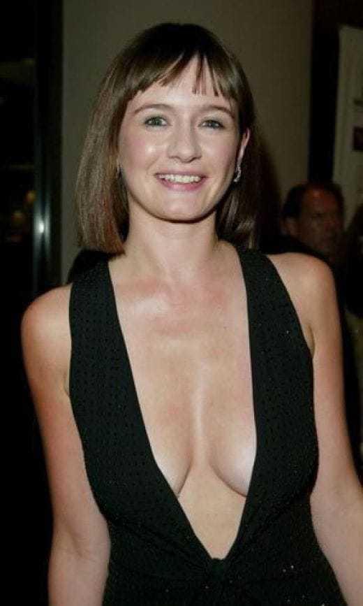 Emily Mortimer big boobs