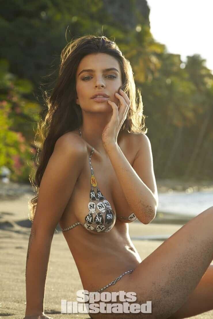 Emily Ratajkowski hot lingerie pics