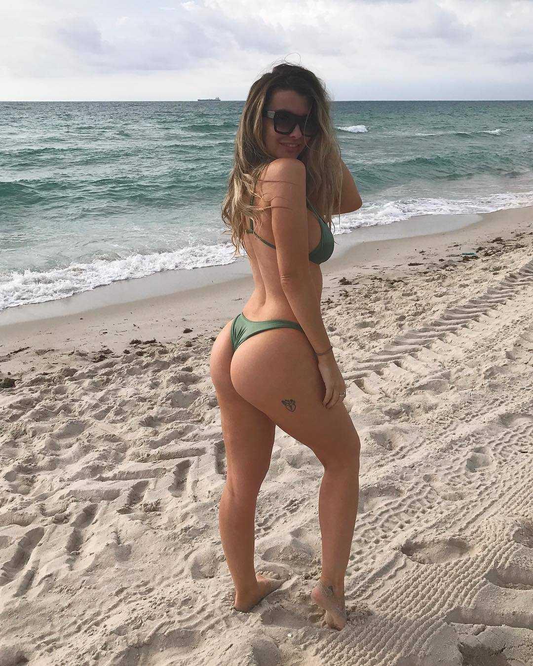 Emily Sears booty