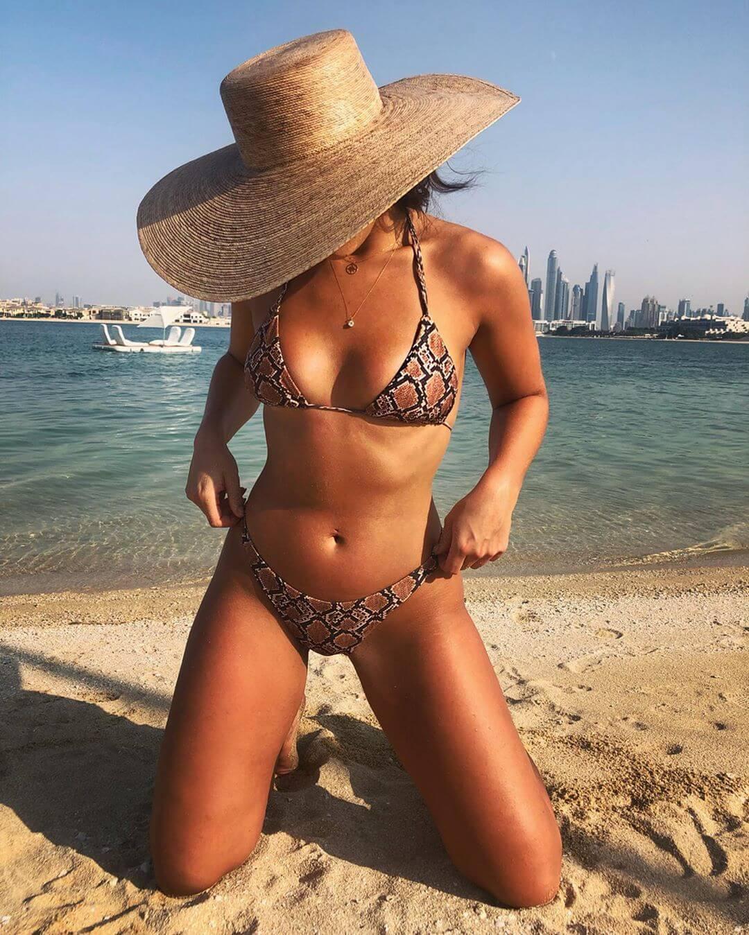 Francesca Allen sexy bikini pics (3)