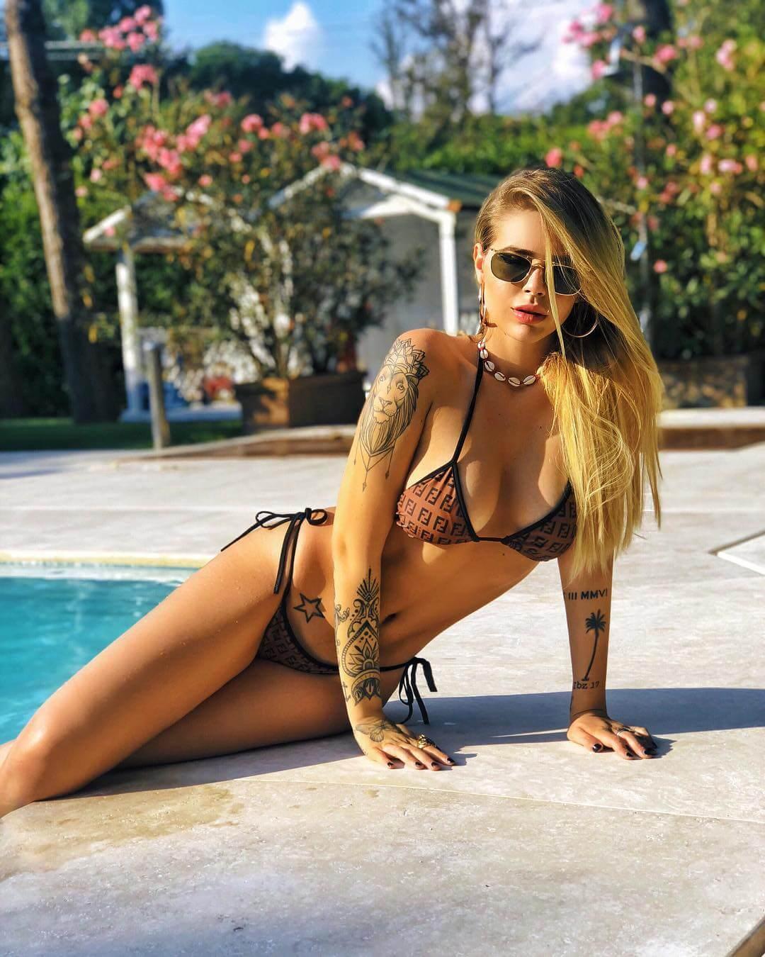 Ginevra Lambruschi hot bikini pics