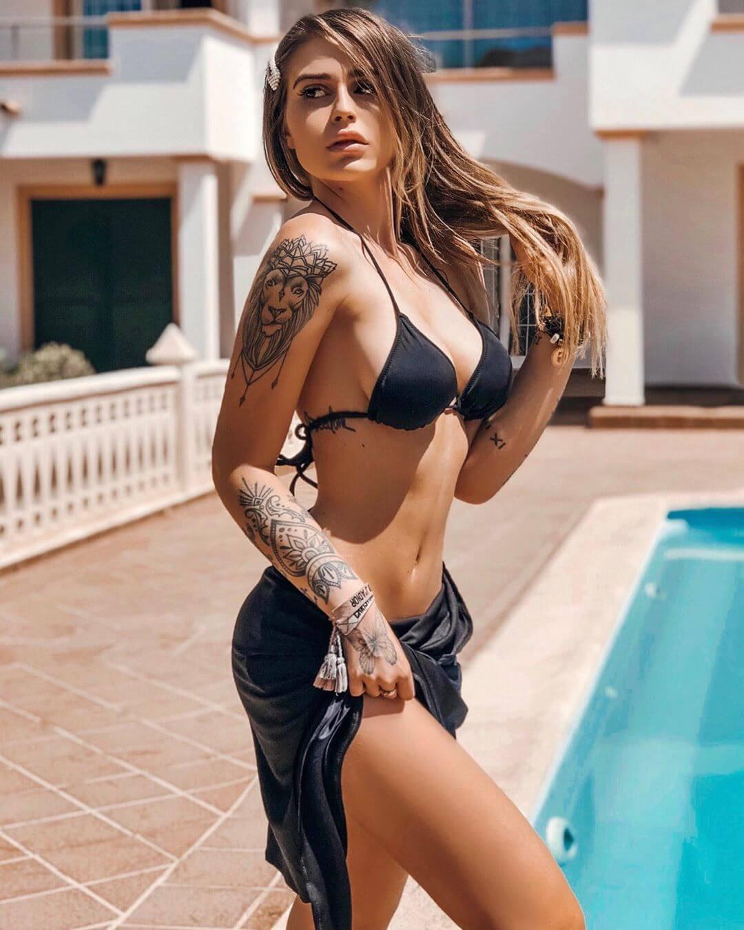 Ginevra Lambruschi sexy bikini pics (3)