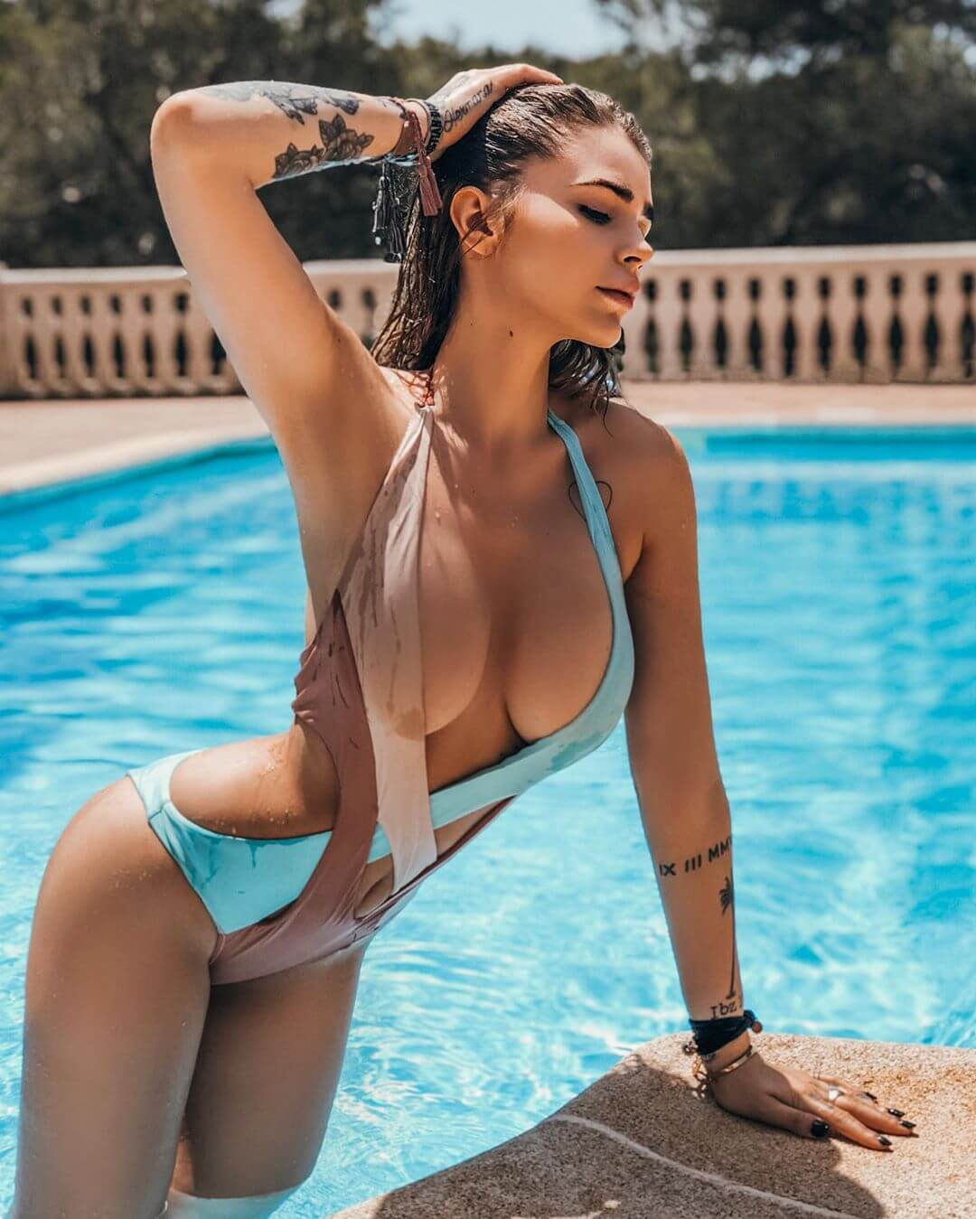 Ginevra Lambruschi sexy boobs pics