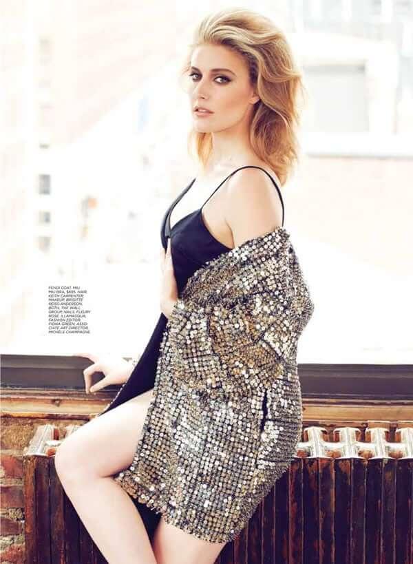 Greta Gerwig hot sdide pics