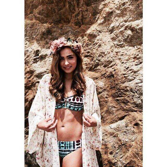 Haley Lu Richardson bikini pic (3)