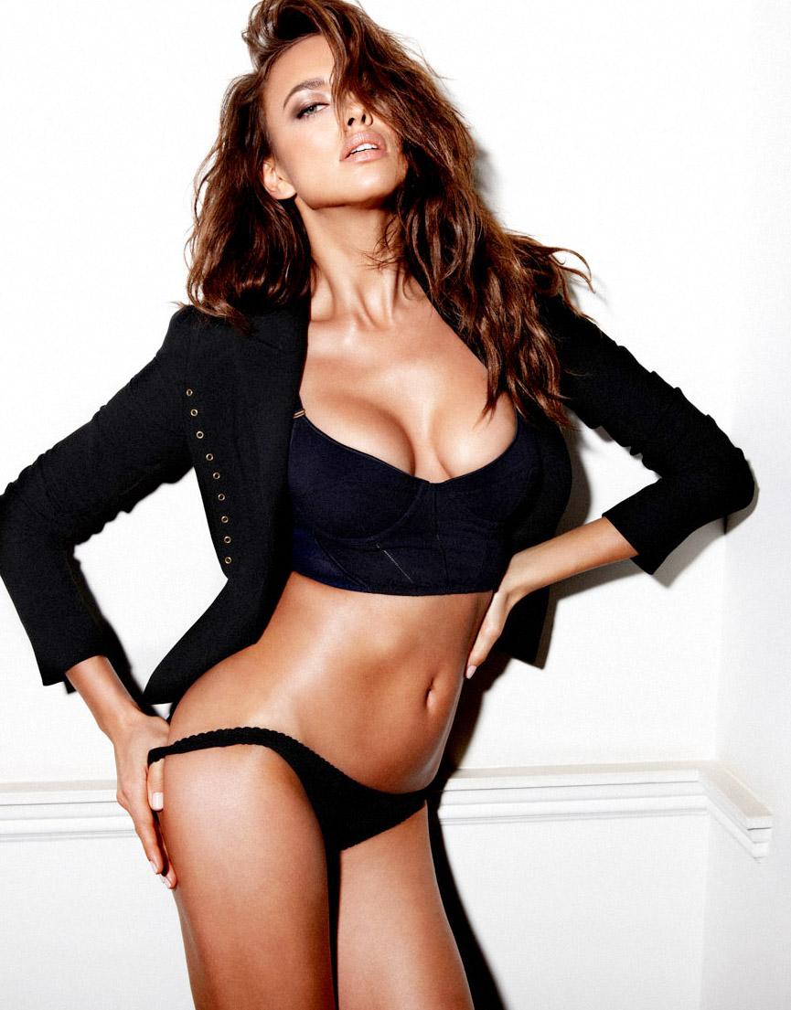 Irina Shayk sexy busty pics