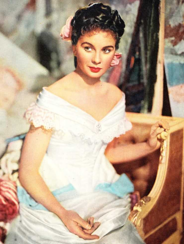 Jean Simmons sexy