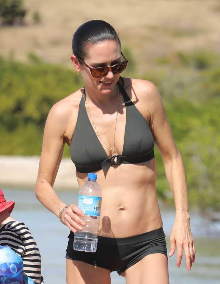 Jennifer Connelly bikini '