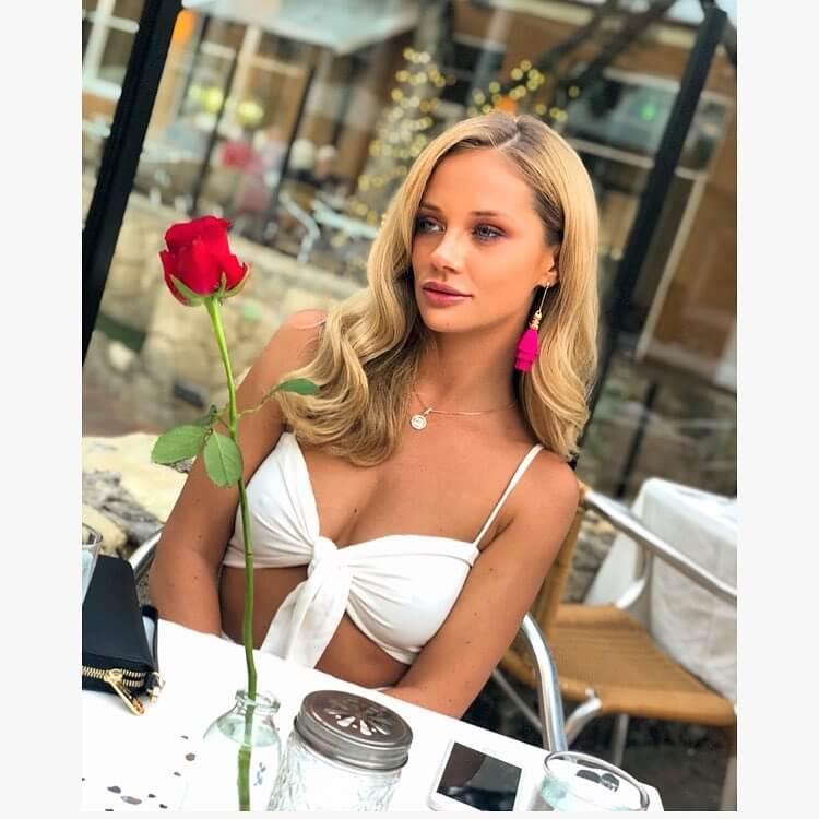 Jessika Power sexy bikini pics (2)
