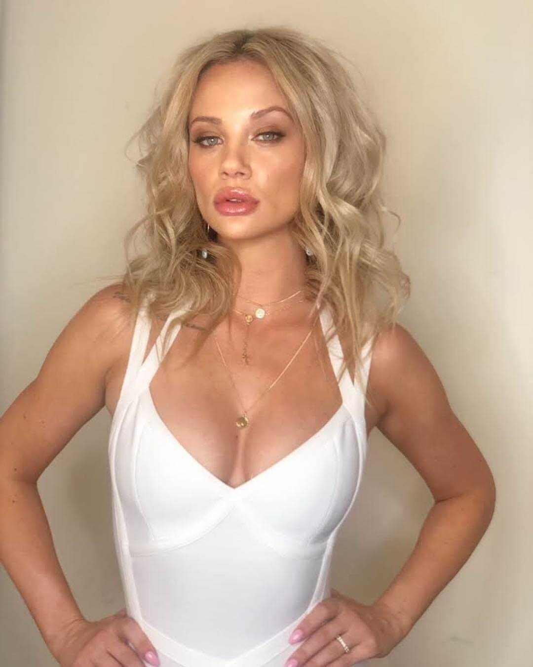 Jessika Power sexy boobs pics