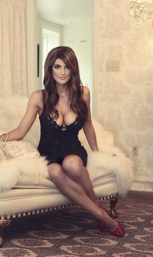 Julia Benson sexy