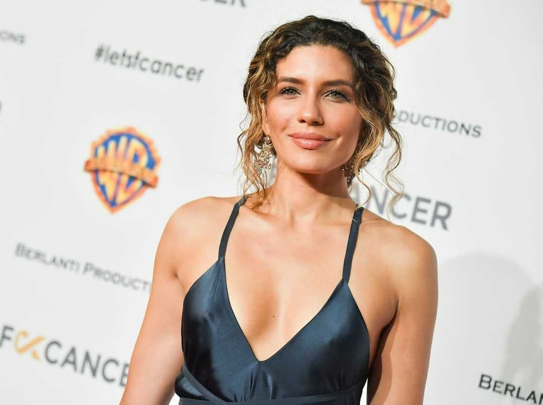 Juliana Harkavy hot looks (1)