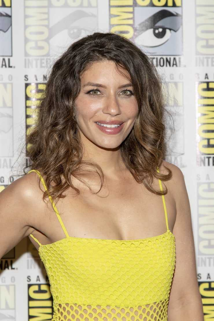 Juliana Harkavy sexy photo