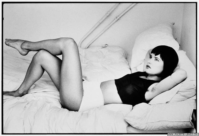 Juliette Lewis bare feet (2)