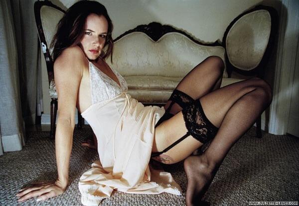 Juliette Lewis legs pictures