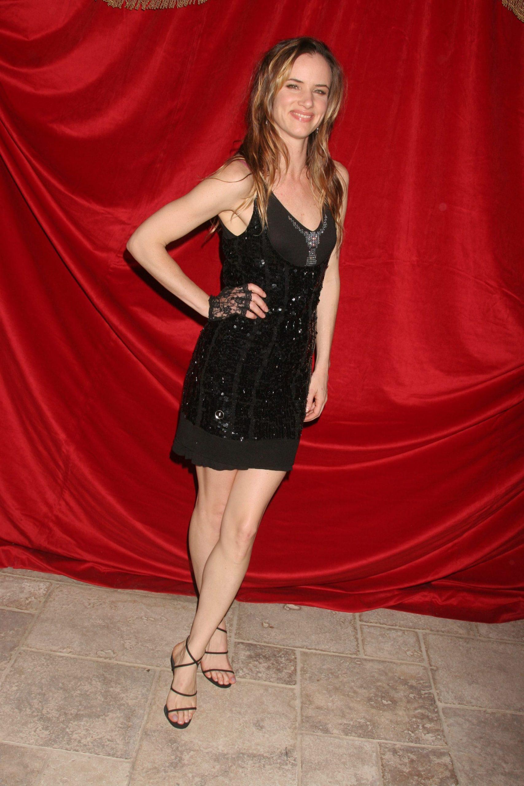 Juliette Lewis legs