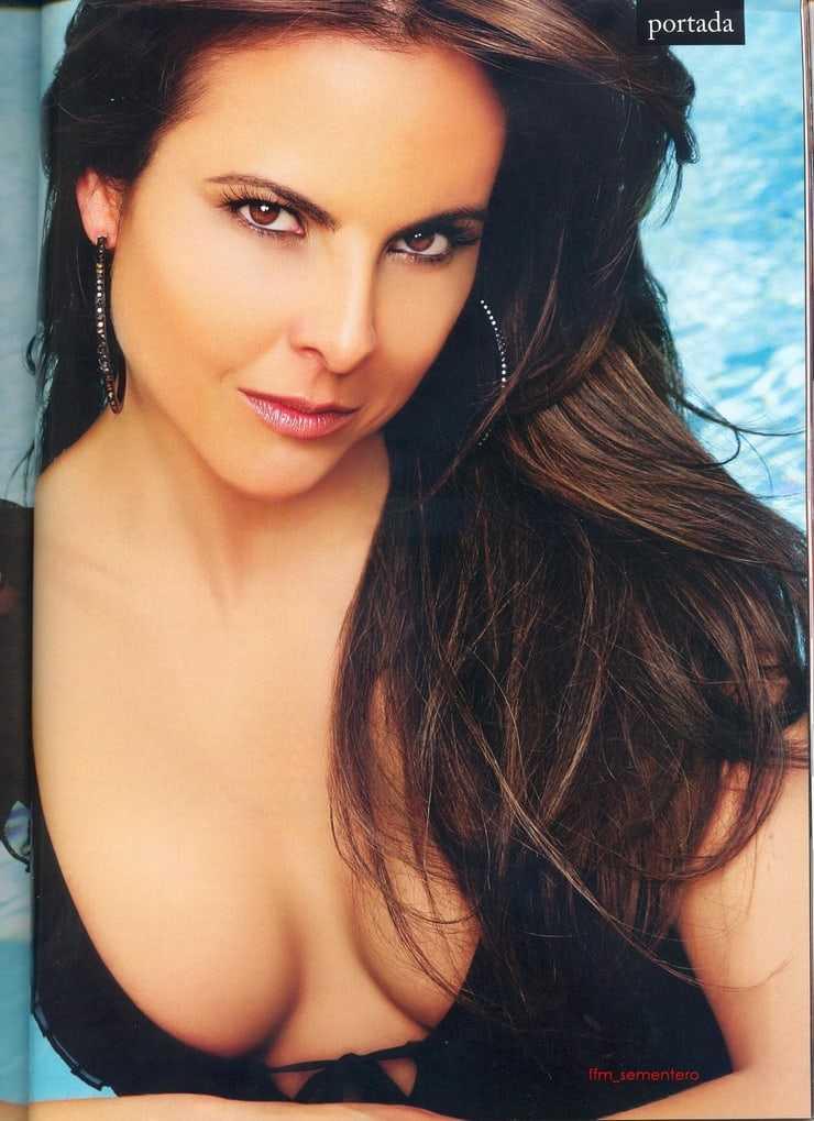 Kate del Castillo boobs pics
