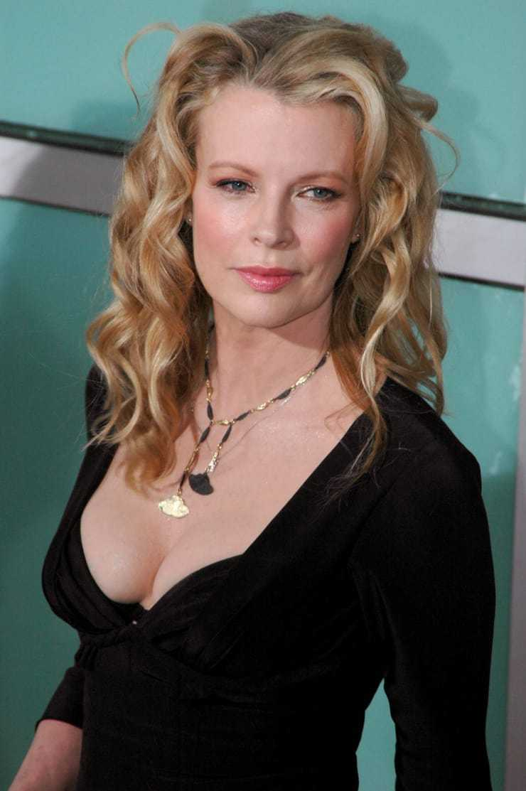 Kim Basinger sexy cleavage pics