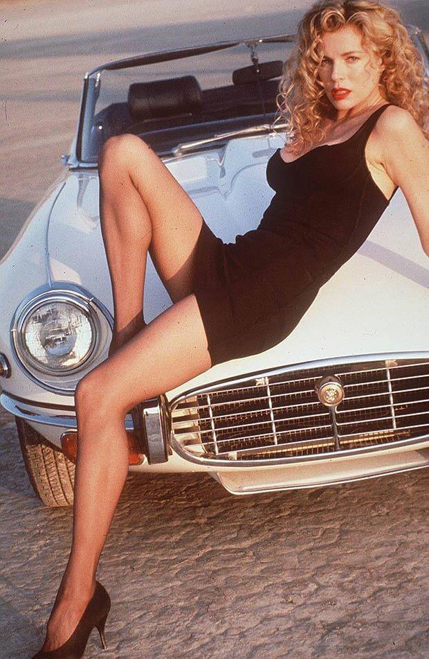 Kim Basinger sexy legs