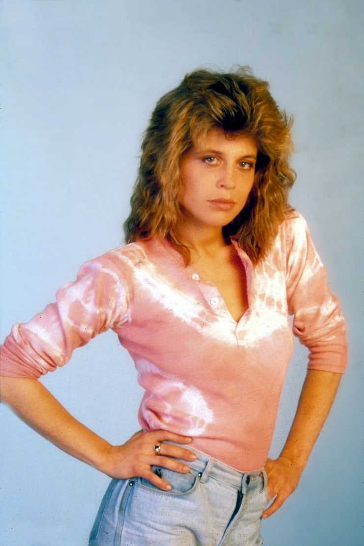 Amy Dumas Sexy 40 linda hamilton hot pictures are an embodiment of