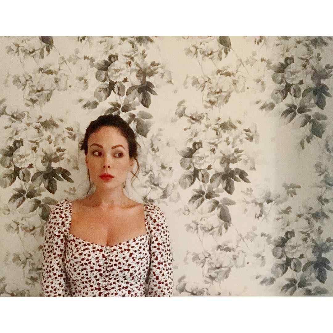 Lindsay-Price-beautiful-min