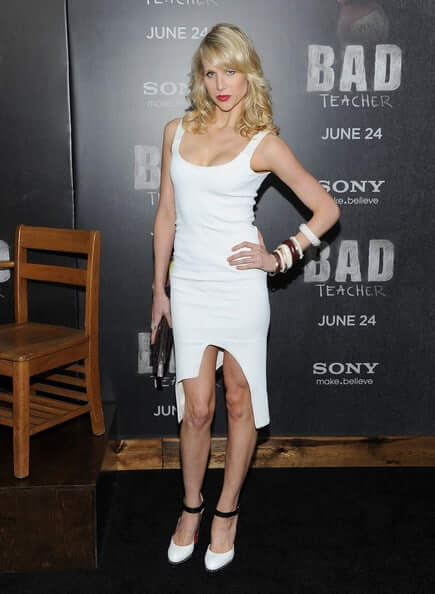 Lucy-Punch-sexy-white-dress-pic