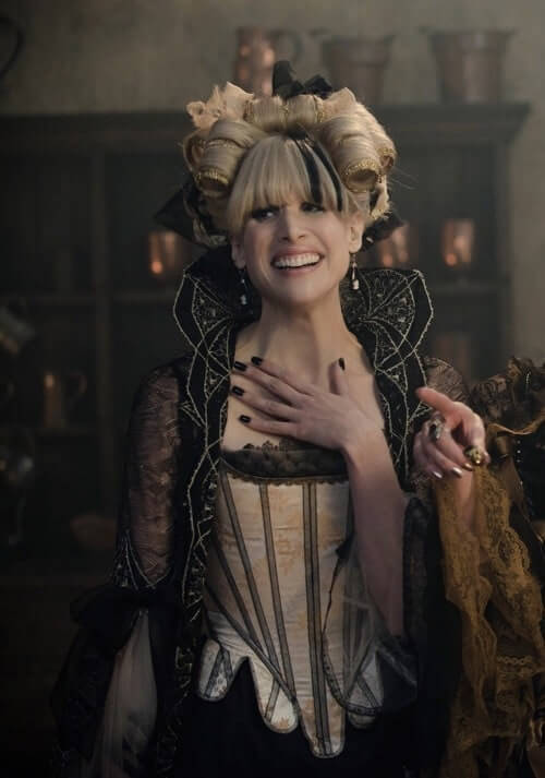 Lucy Punch smile