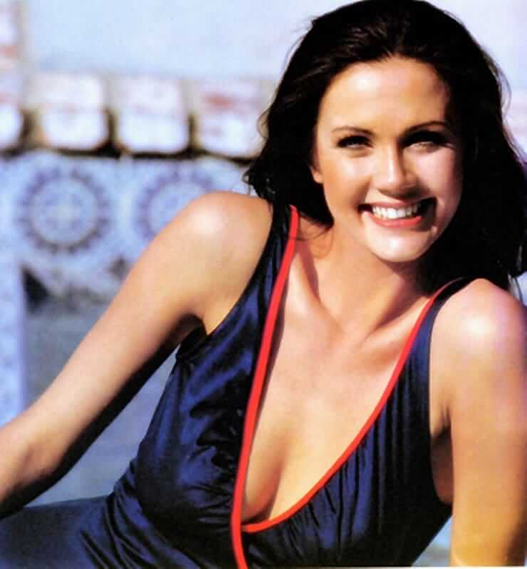 Lynda Carter hot cleavge picas