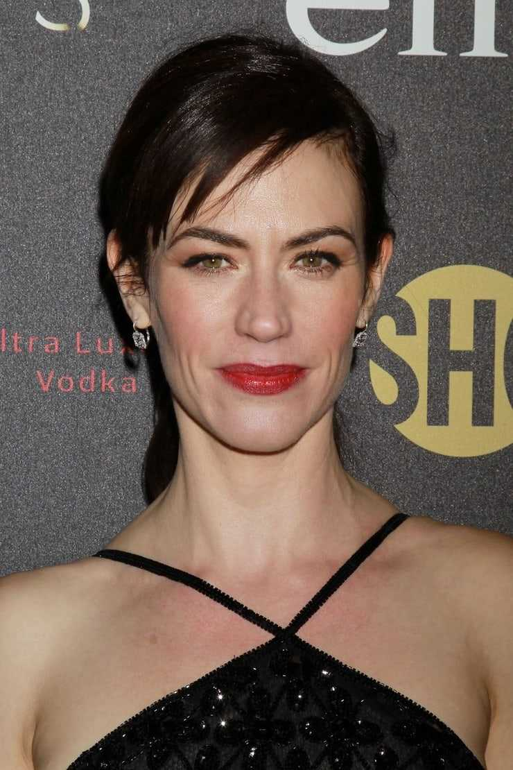 Maggie Siff hot smile (2)