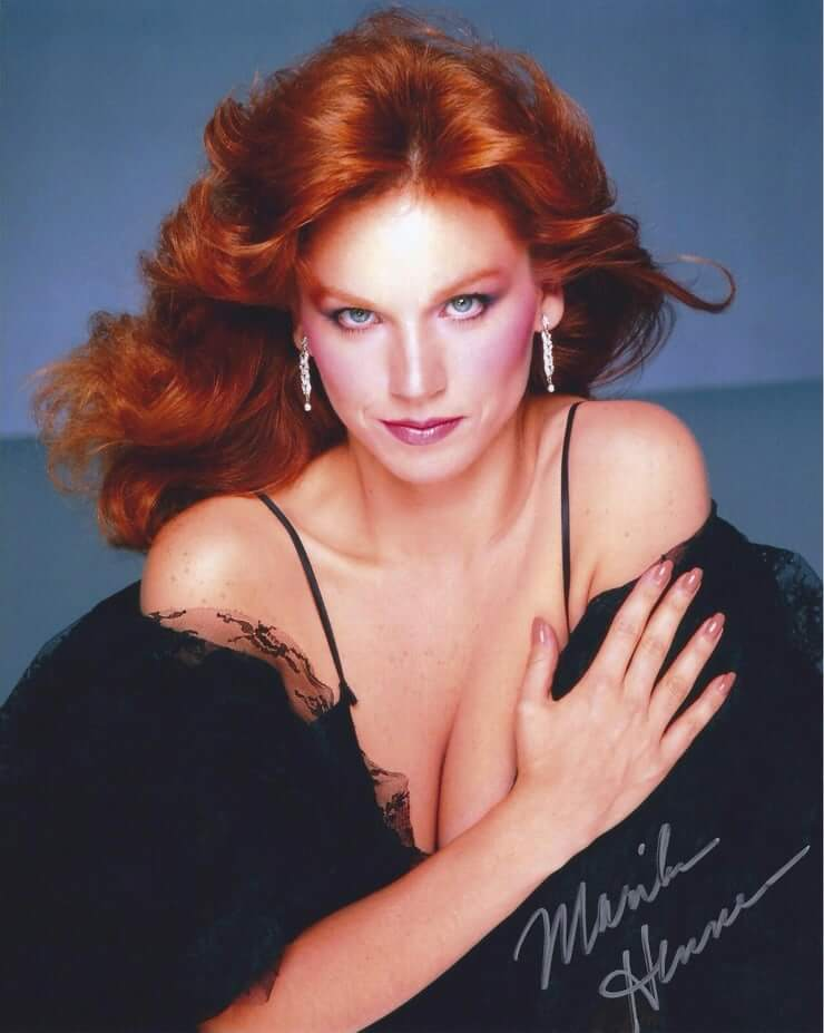 Marilu Henner sexy cleavage pis